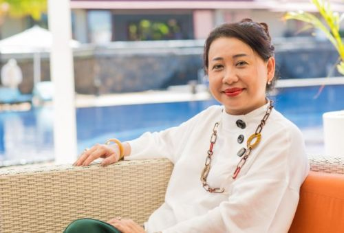 Karen Lai Yong rejoint The Lux Collective