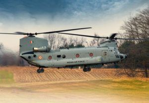 L'Indian Air Force accepte au service ses premiers CH-47F Chinook