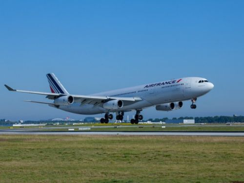 Air France signe avec les syndicats, mais