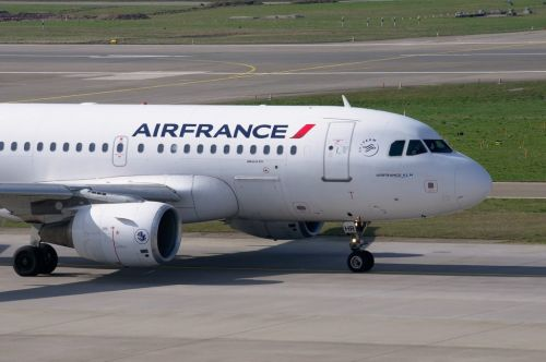 Air France:  le vol Paris-Saigon interdit de survoler la Russie, l'avion rentre à Roissy