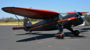 Crash d'un historique Stinson Reliant en Californie