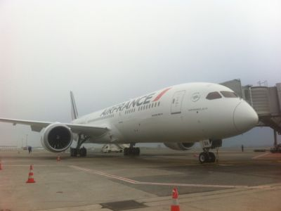 Air France:  le 1er B787 Dreamliner atterrit. Trust Together décolle !