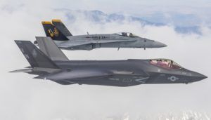 VMFA-314 Black Knight, le premier escadron des Marines transformé sur F-35C Lightning II