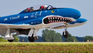 Waterloo Warbirds:  requin, vampire et soviets